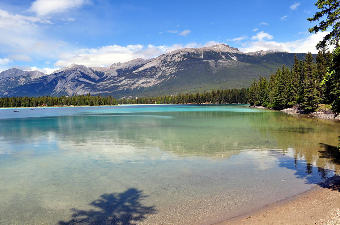 Lake Edith in Jasper National Park