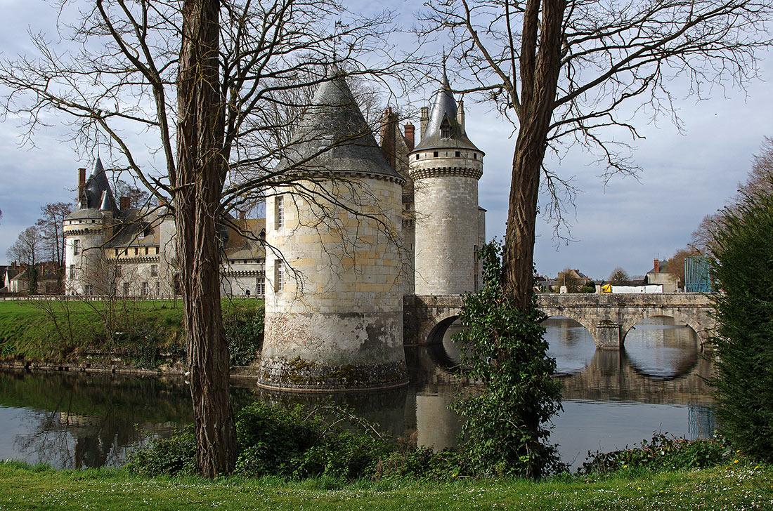 Sully-sur-Loire castle