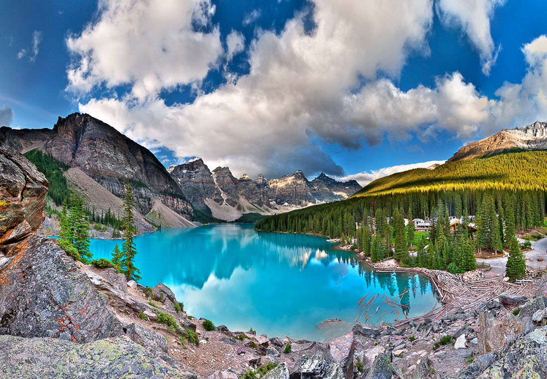 Moraine glacial lake