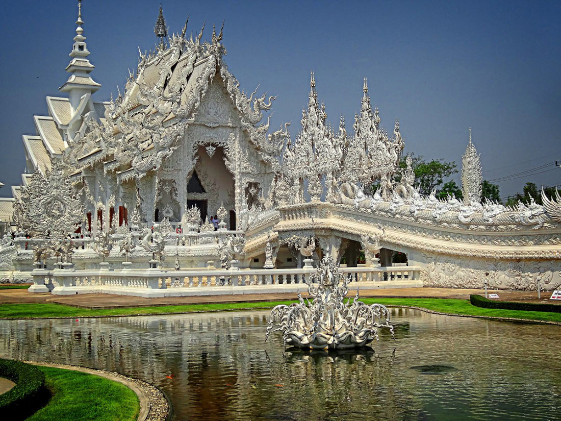 Wat Rong Kun White Temple