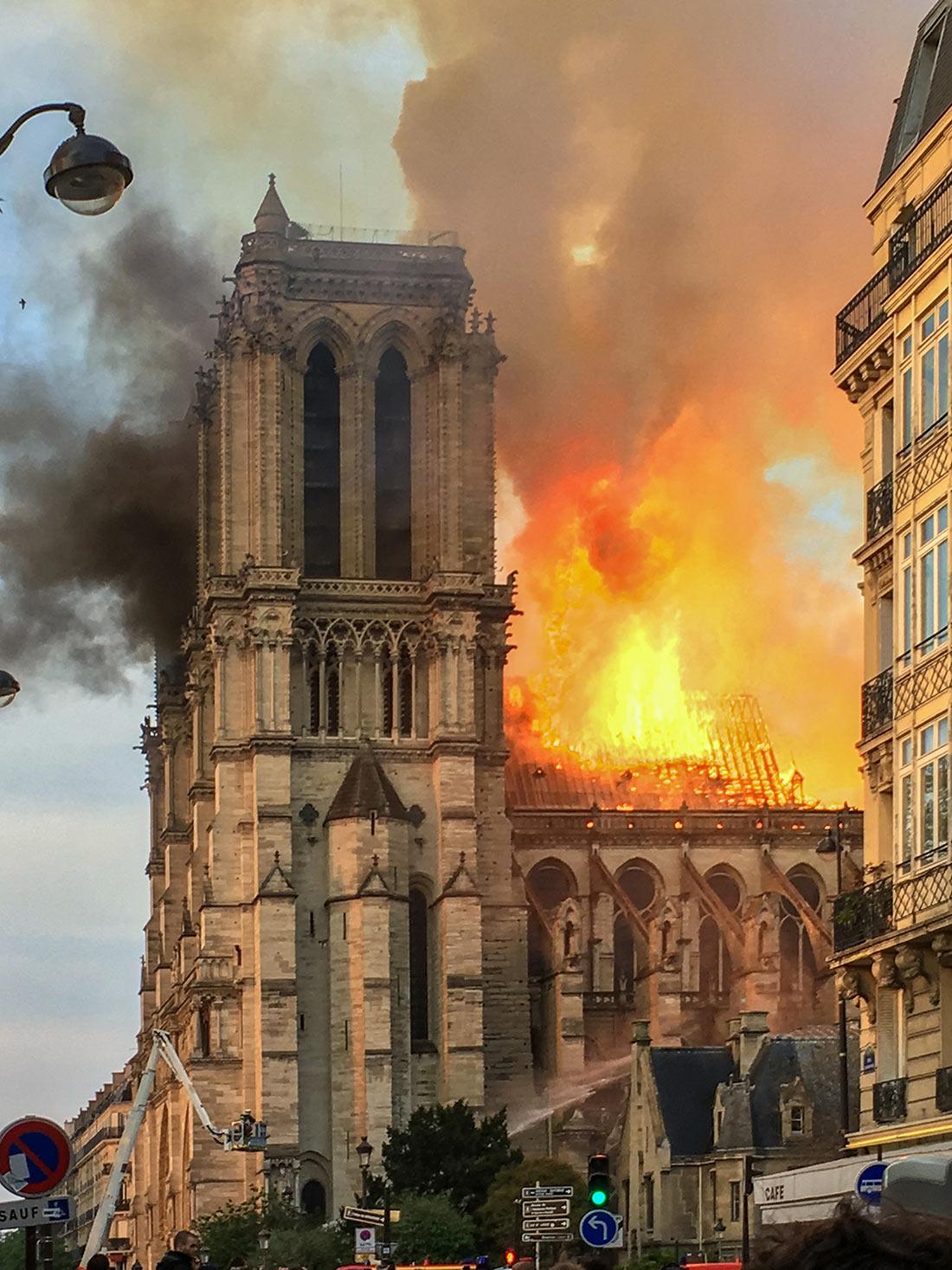 https://en.topvoyager.com/wp-content/uploads/2019/04/notre-dame-de-paris-1.jpg