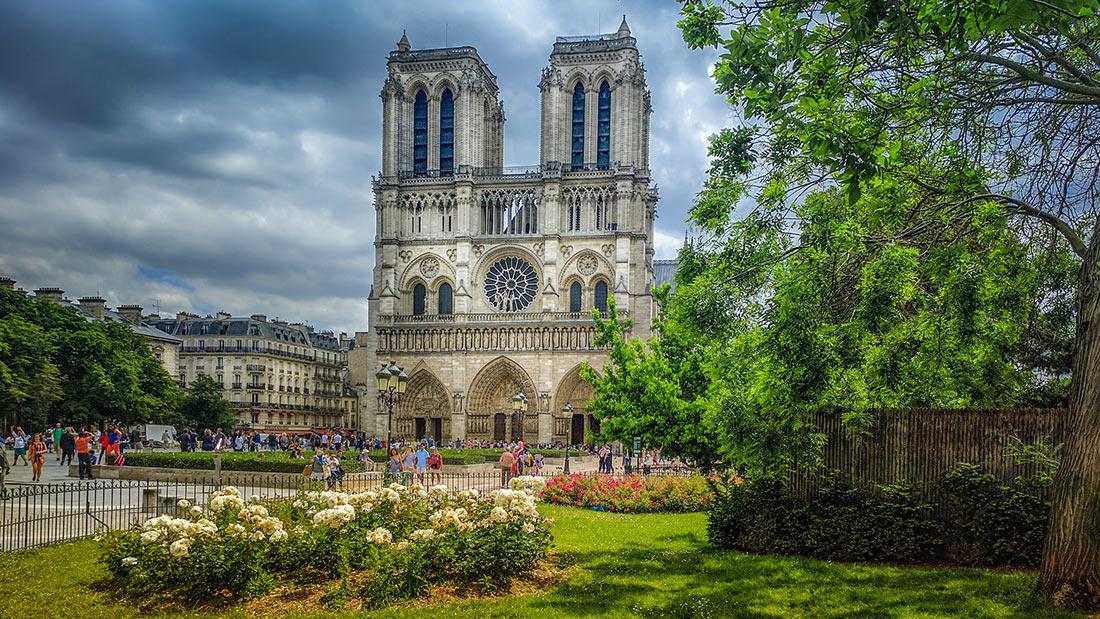 https://en.topvoyager.com/wp-content/uploads/2019/04/notre-dame-de-paris-5.jpg